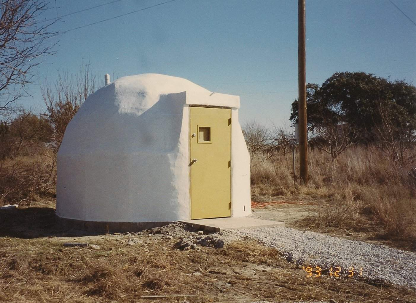 Anti EMP Dome, concrete and carbon steel fiber exterior..JPG