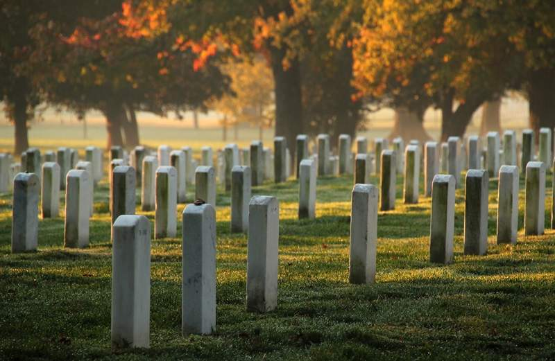 Arlington-National-Cemetery-Headstones.