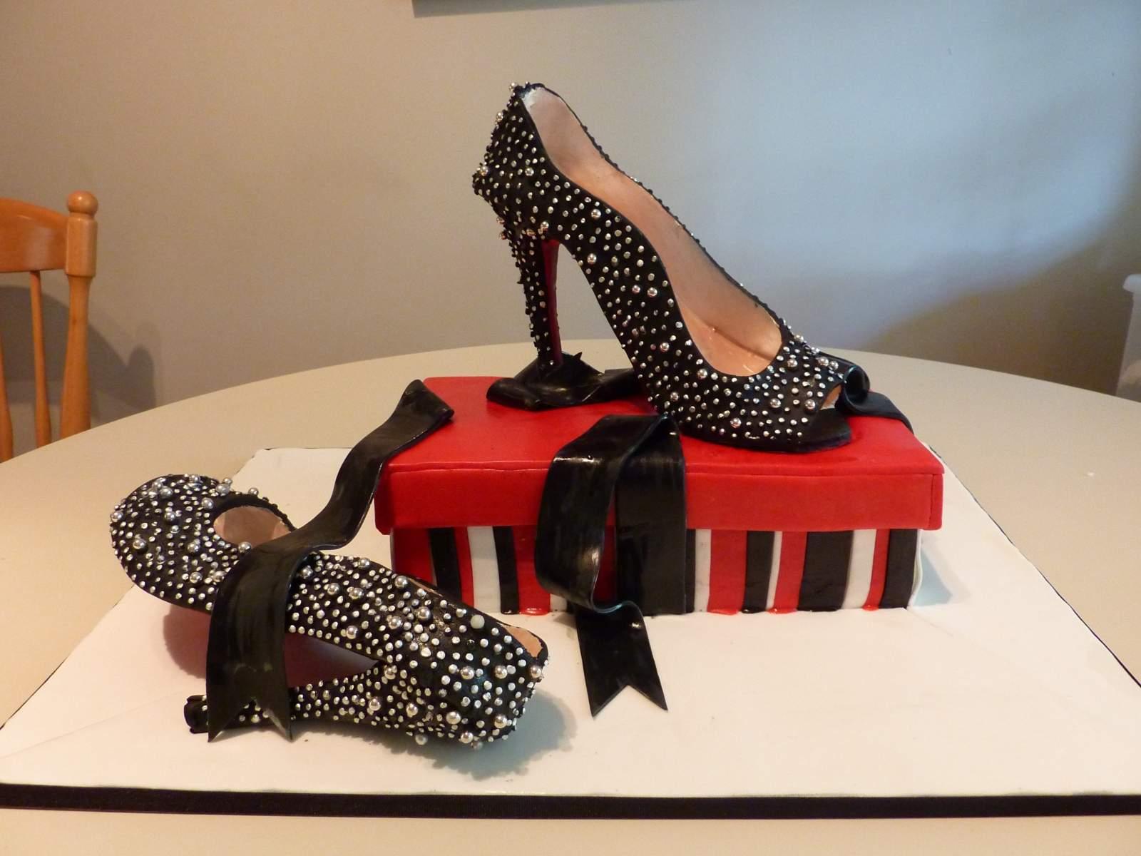 christian-louboutin-shoe-cake-2.
