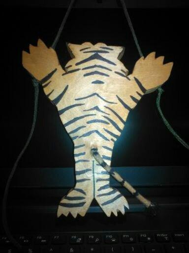 climbing tiger rear.