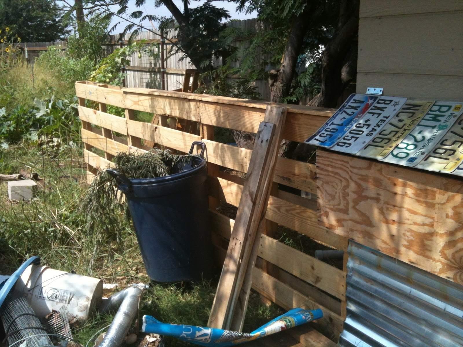 coop fence.JPG