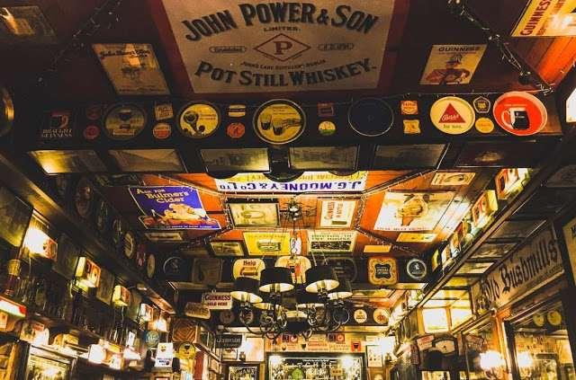 Duke of York Pub in Belfast.JPG