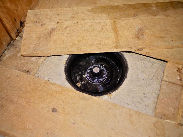 floor-safe_4.