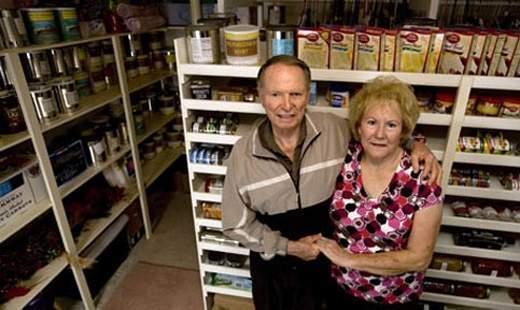 food-storage-couple.