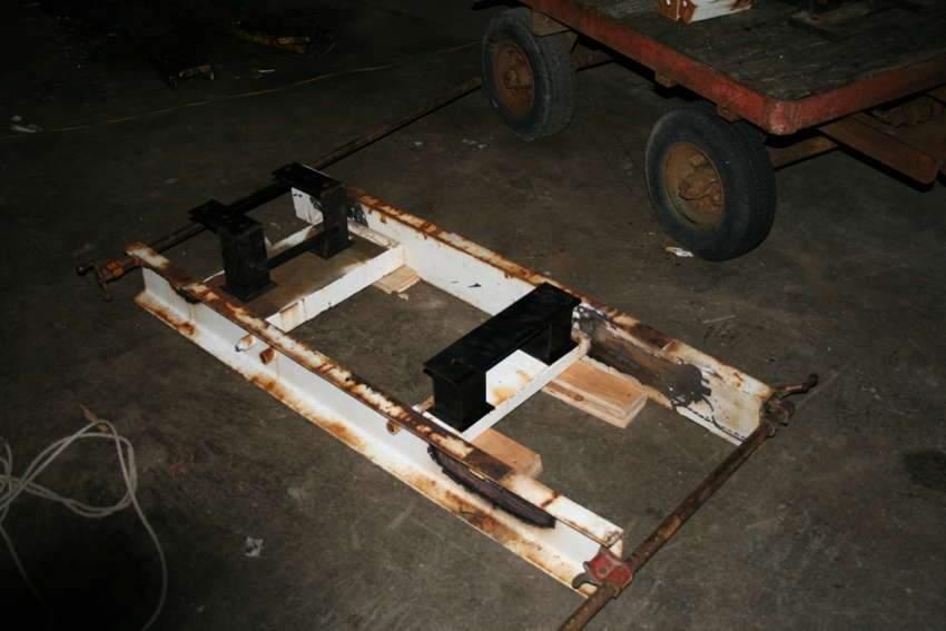 Frame:Engine Mounts.