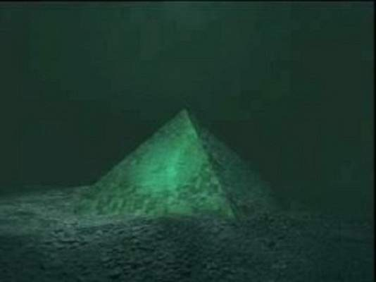 Glass-Pyramids-Discovered-at-Bermuda-Triangle-1.