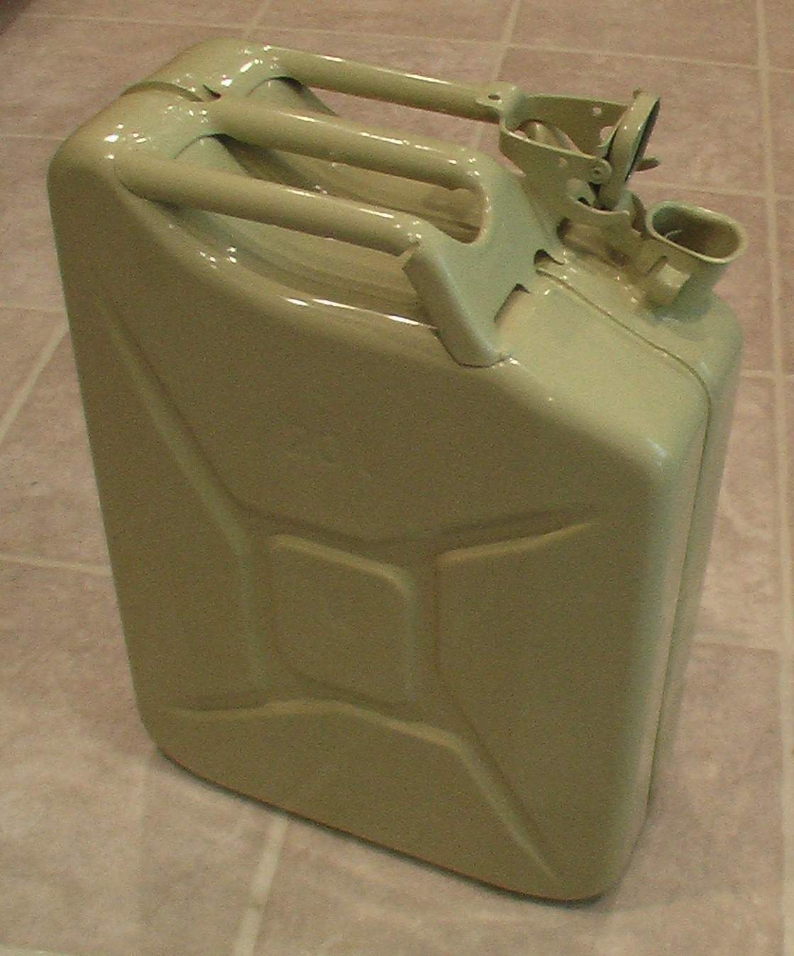 Jerry Can-4.JPG