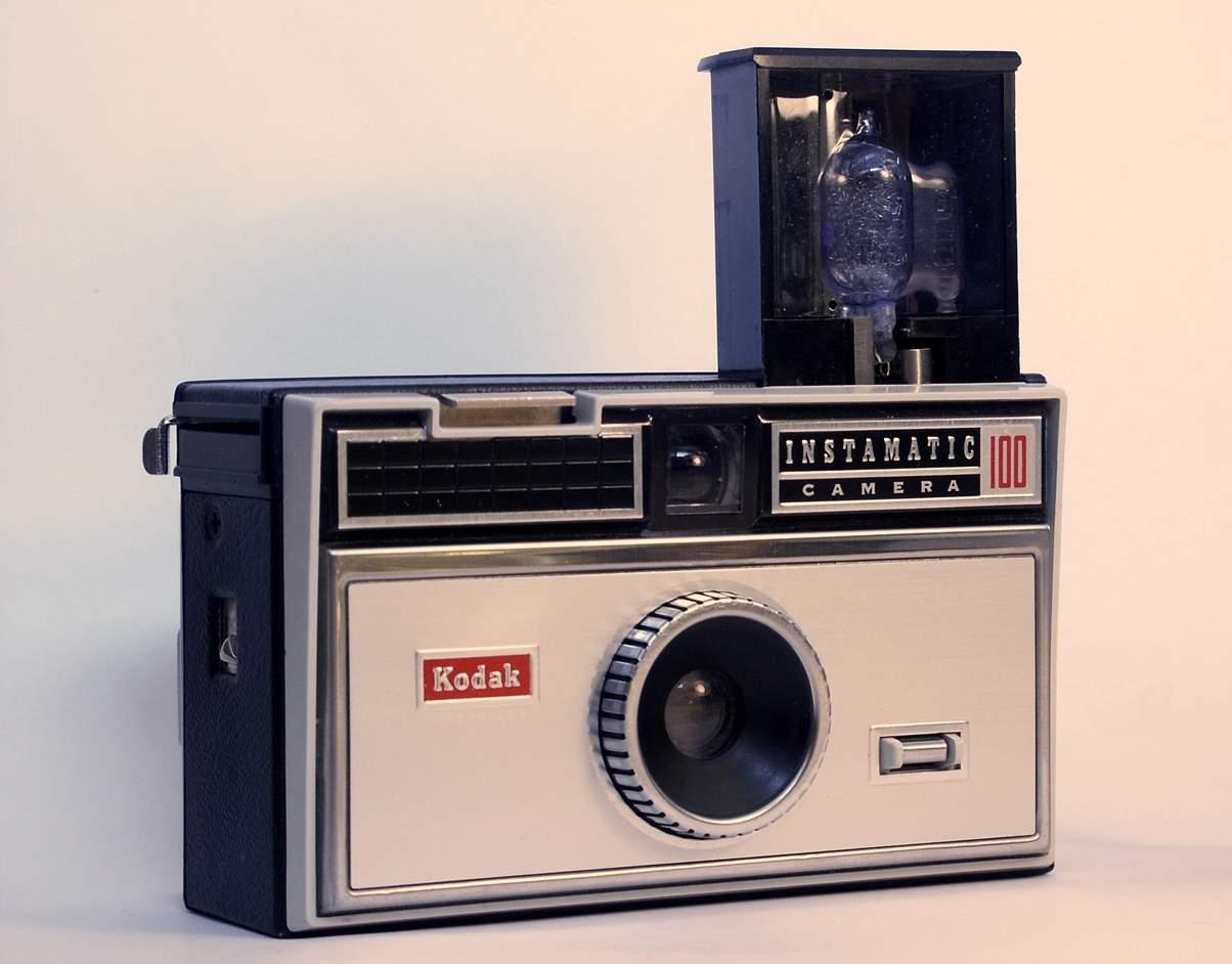 Kodak_Instamatic_100.