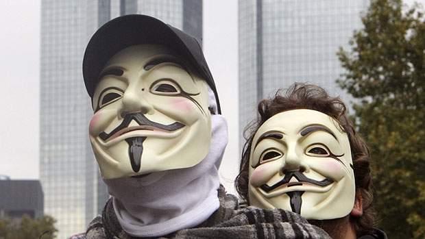 li-masks-01526983.