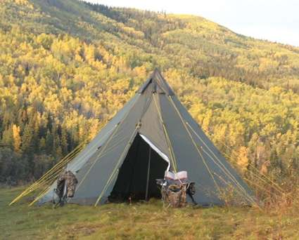 Outfitter_TIPITENT_Hunting_Camp.