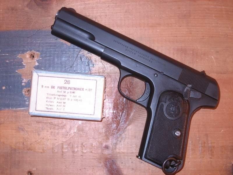 pistol07_zps1a7fba86.