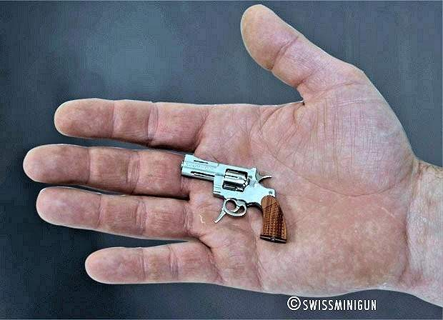 worlds-smallest-commercial-revolver-swiss-jewel-23.